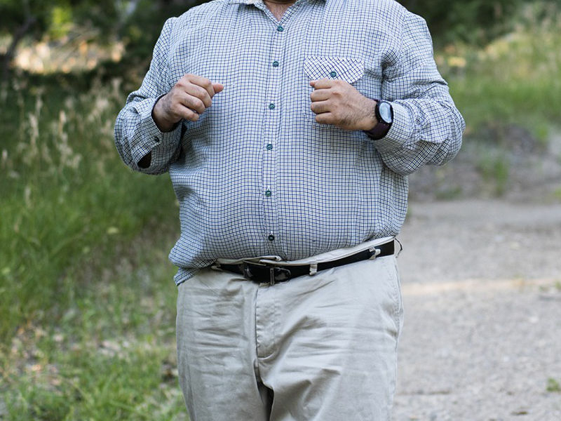 ígényes nagyméretű férfi ruha