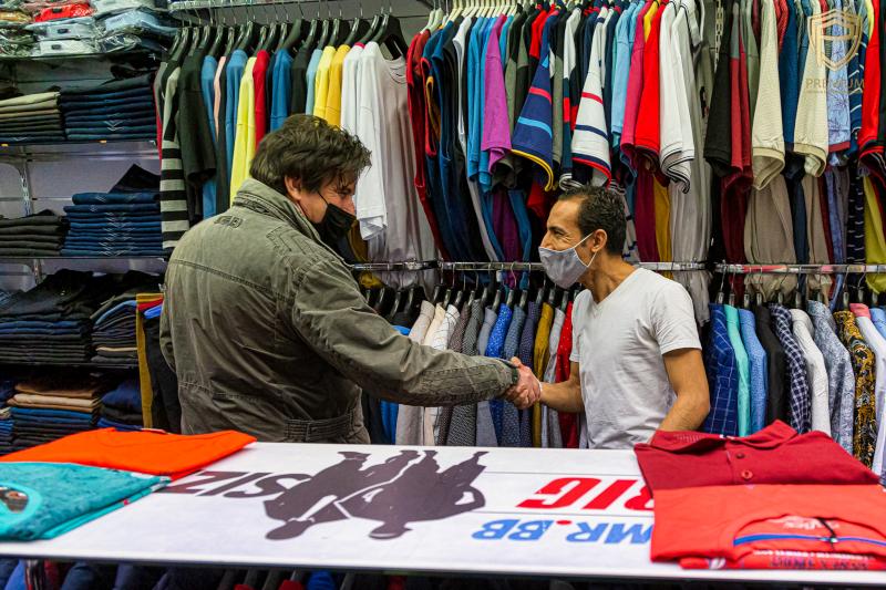 Tihanyi Tóth Csaba látogatása nagyméretű férfi ruházati üzletünkben.