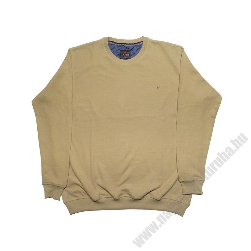 a-nagymeretu-kerek-nyaku-bezs-pulover1