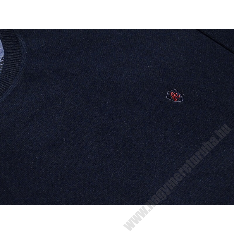 a-nagymeretu-kerek-nyaku-sotetkek-pulover2