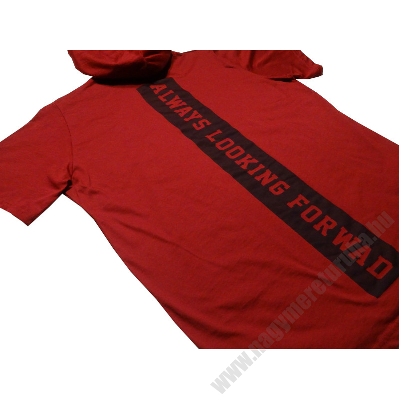 piros-kapucnis-rovid-ujju-polo-nagymeret4